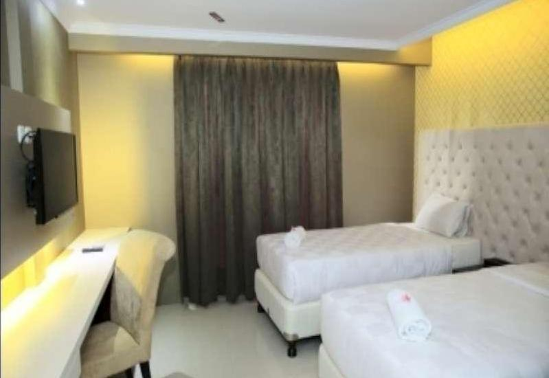 Rizen Premiere Hotel Bogor - Executive twin room Only Regular Plan