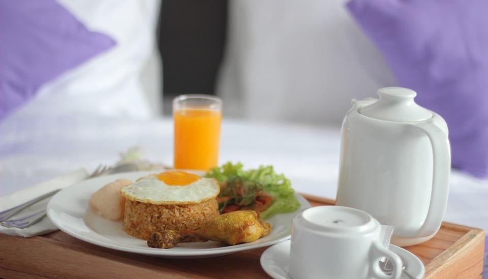 Forriz Hotel Yogyakarta Yogyakarta - Room Service Menu