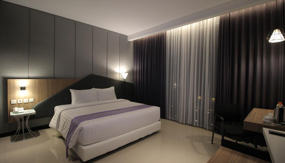 Forriz Hotel Jogja - Deluxe Room Only Regular Plan