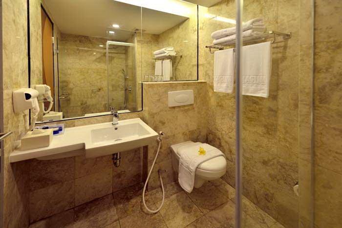 Serela Kuta Bali Kuta Bali - Kamar Mandi - Superior Room