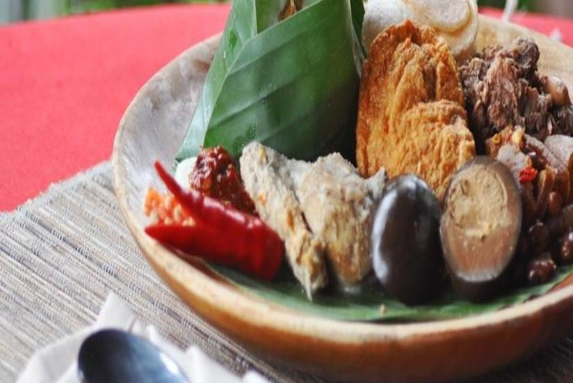 Bukit Daun Hotel and Resort Kediri - Menu