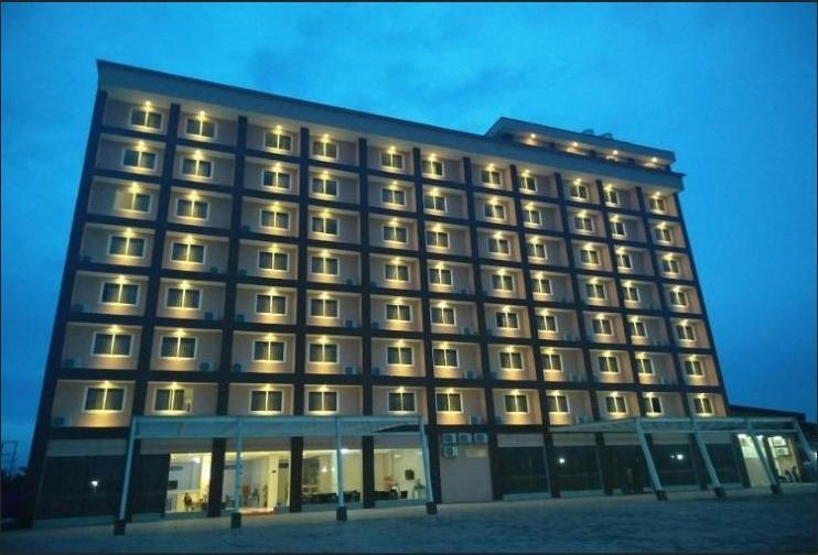 Makmur Hotel & Convention Center
