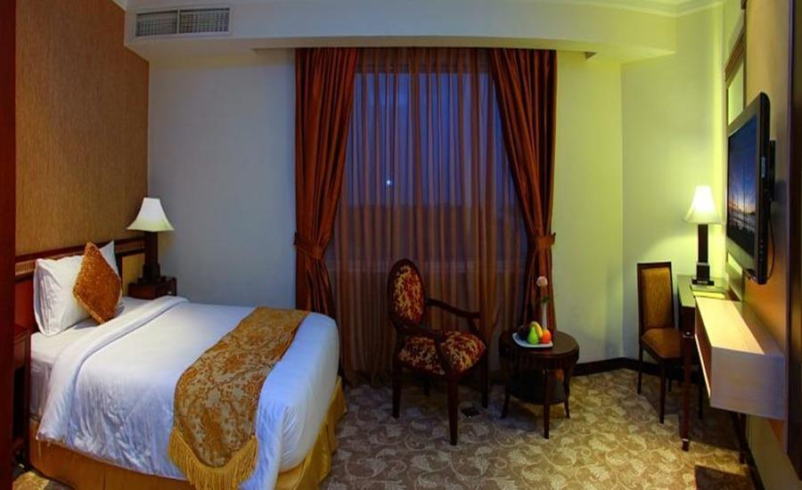 Premier Basko Hotel Padang - Studio Suite Room Regular Plan