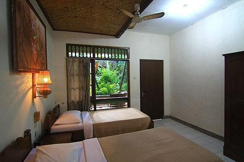 Dewa Bharata Bungalow Bali - Kamar Tamu