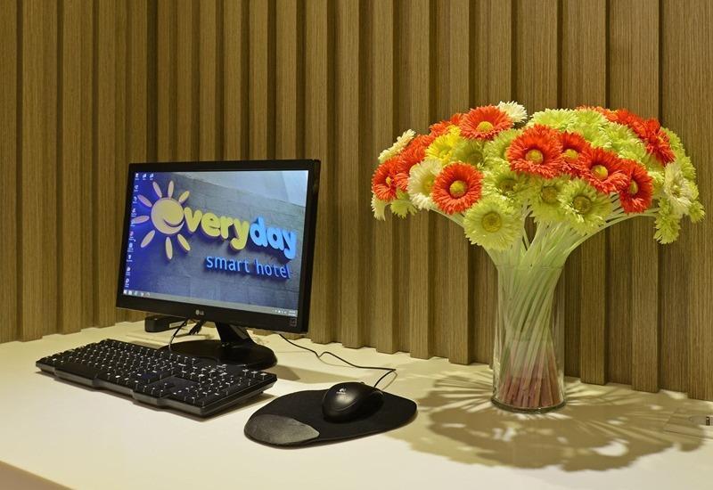 Everyday Smart Hotel Mayestik - Internet Corner