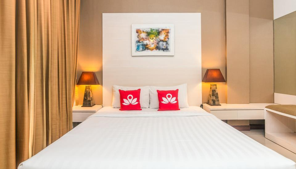 ZenRooms Seminyak Umalas - Double Room (Room Only) Special Promo