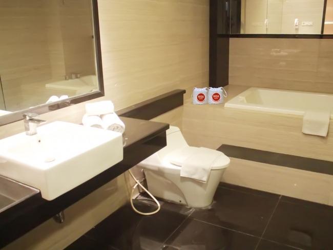 NIDA Rooms Surabaya Tugu Pahlawan - Kamar mandi