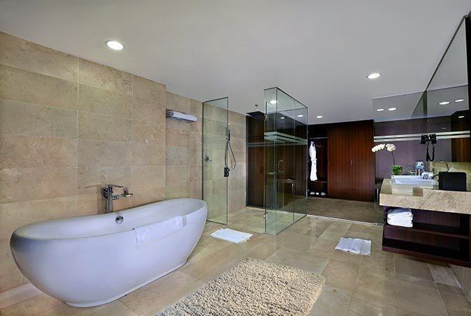 Aston Madiun Hotel Madiun - President Suite Bathroom