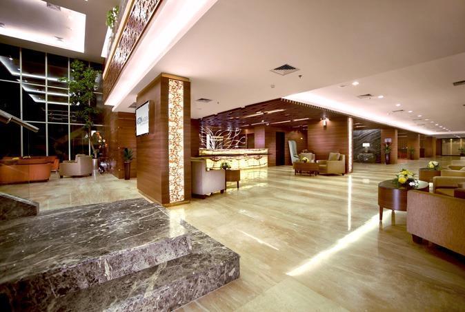 Aston Madiun Hotel Madiun - Lobby