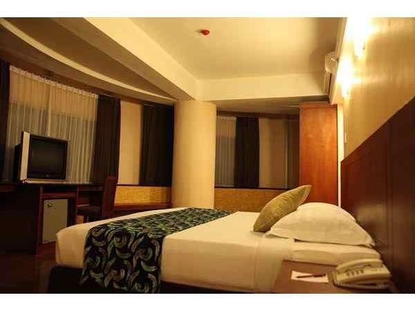 Oval Hotel Surabaya - Kamar Deluxe Reguler Plan