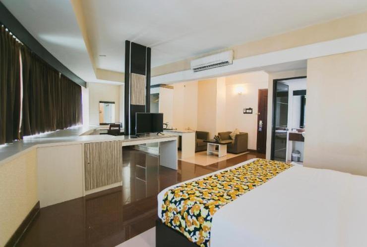 Oval Hotel Surabaya - Deluxe