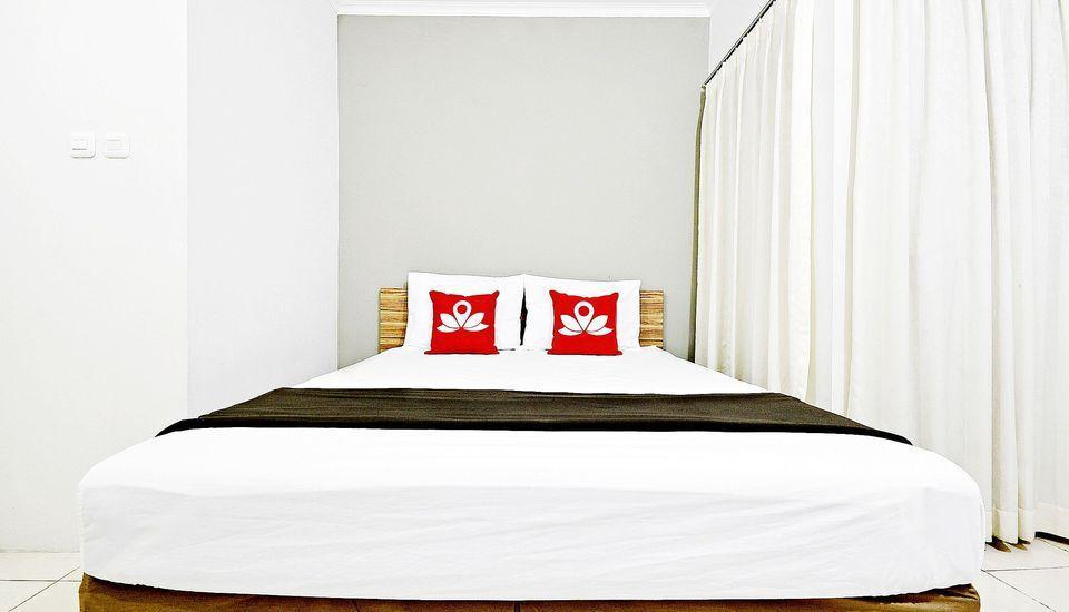 ZenRooms Mampang Prapatan Jakarta - Tampak tempat tidur double