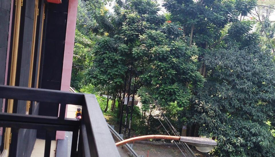 Homer's Club Bandung - Parking Lot