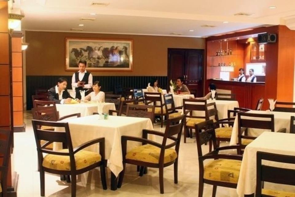Panorama Hotel Jember - Dining