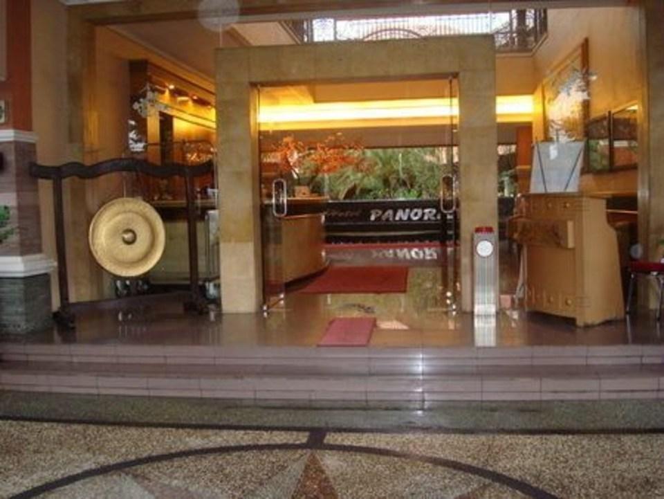 Panorama Hotel Jember - Hotel Entrance