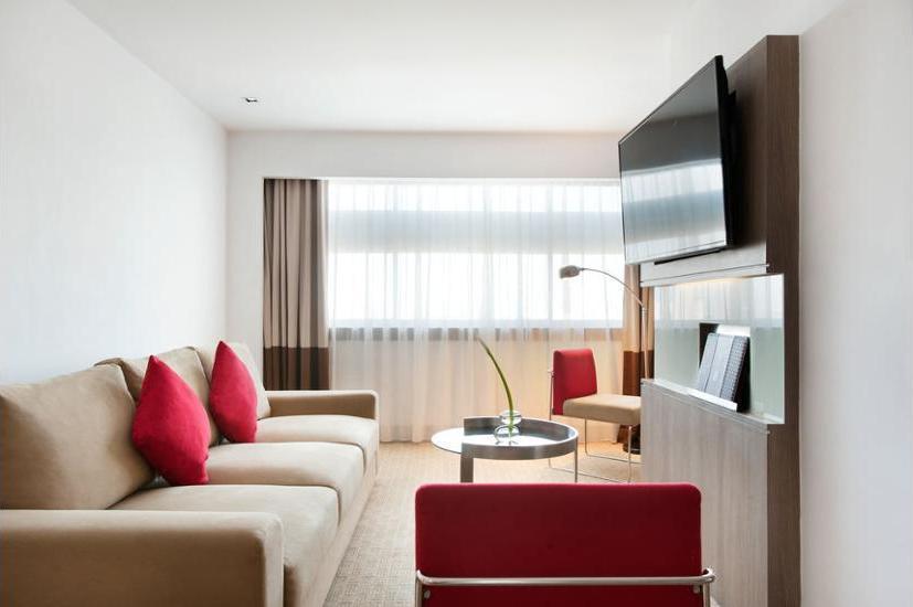 Novotel Gajah Mada Jakarta - Living Room