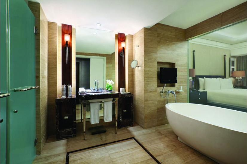 Hotel Indonesia Kempinski Jakarta - Bathroom