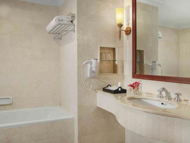 Grand Angkasa Medan - Bathroom