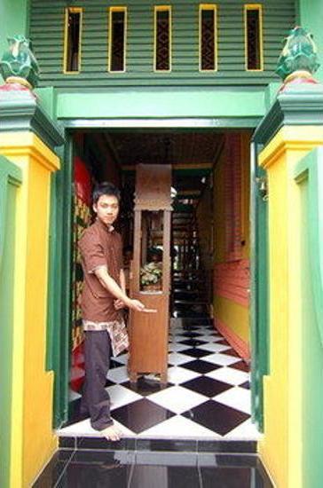 Kampoeng Djawa Guesthouse Yogyakarta - Interior Entrance