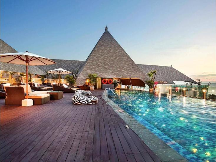 The Kuta Beach Heritage Hotel Bali - Hotel Front