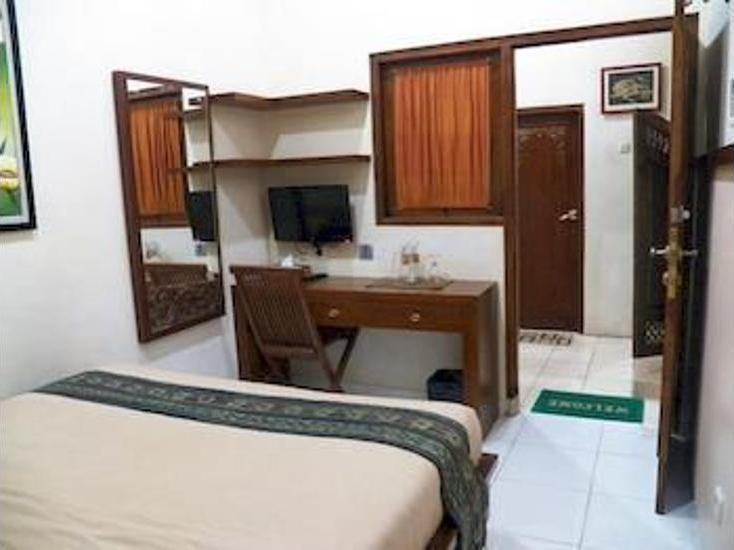 Griya Nalendra Guest House Yogyakarta - Dining