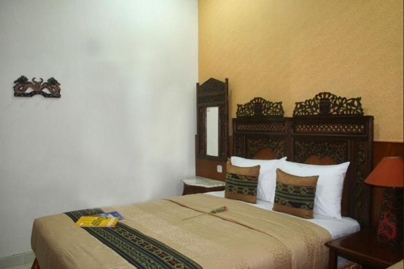 Griya Nalendra Guest House Jogja - Deluxe Junior Room Regular Plan