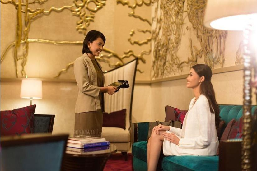 Raffles Hotel Jakarta - Reception