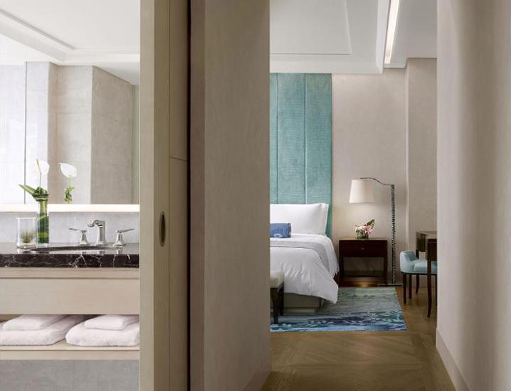 Raffles Hotel Jakarta - Hotel Bar