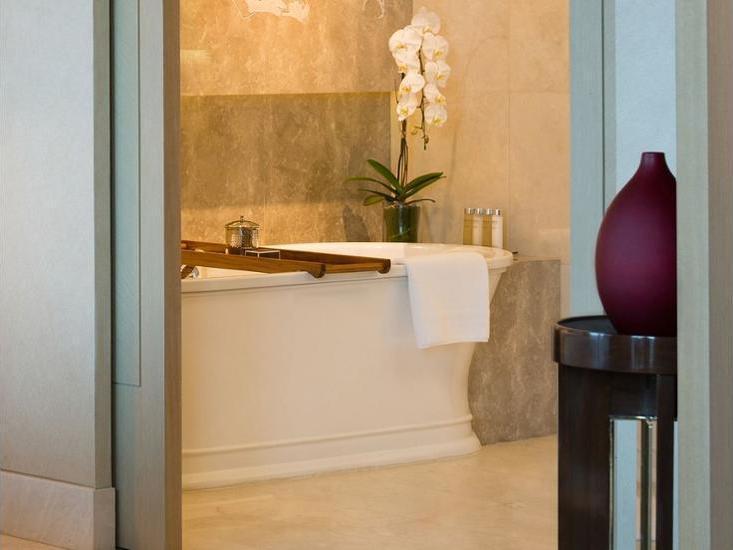 Raffles Hotel Jakarta - Raffles, Kamar, 1 Tempat Tidur King, pemandangan kebun Hemat 20%