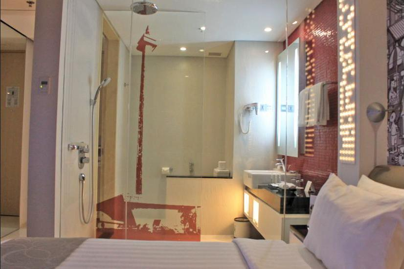 Mercure Simatupang Jakarta - Bathroom Shower