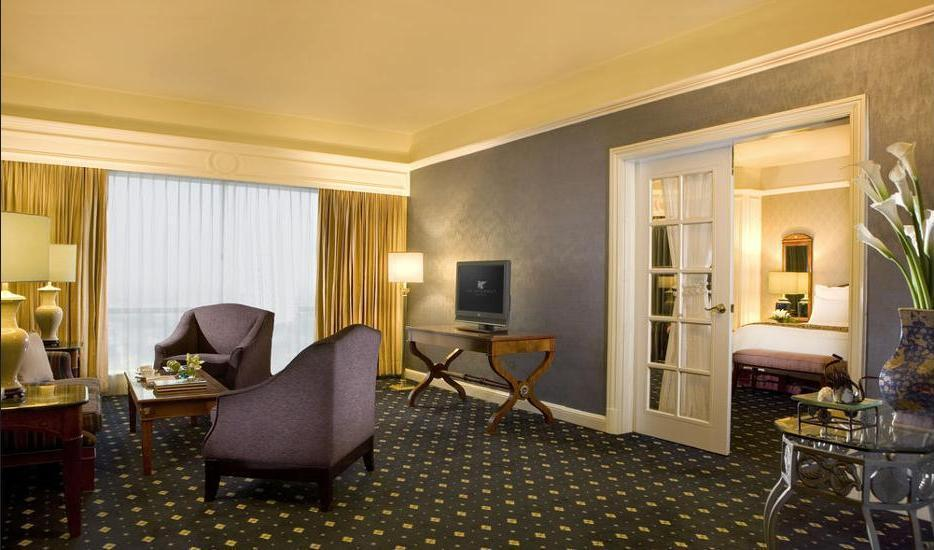 JW Marriott Surabaya - Hotel Bar