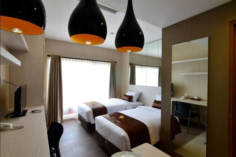 Student Park Hotel & Apartment Yogyakarta - Guestroom