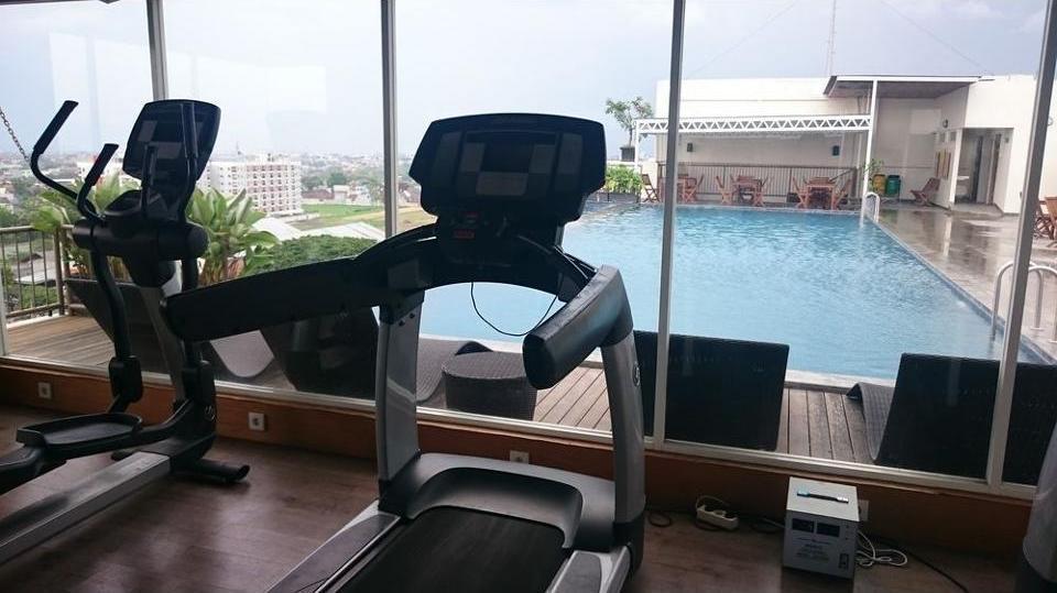 Student Park Hotel & Apartment Yogyakarta - Fitness Facility