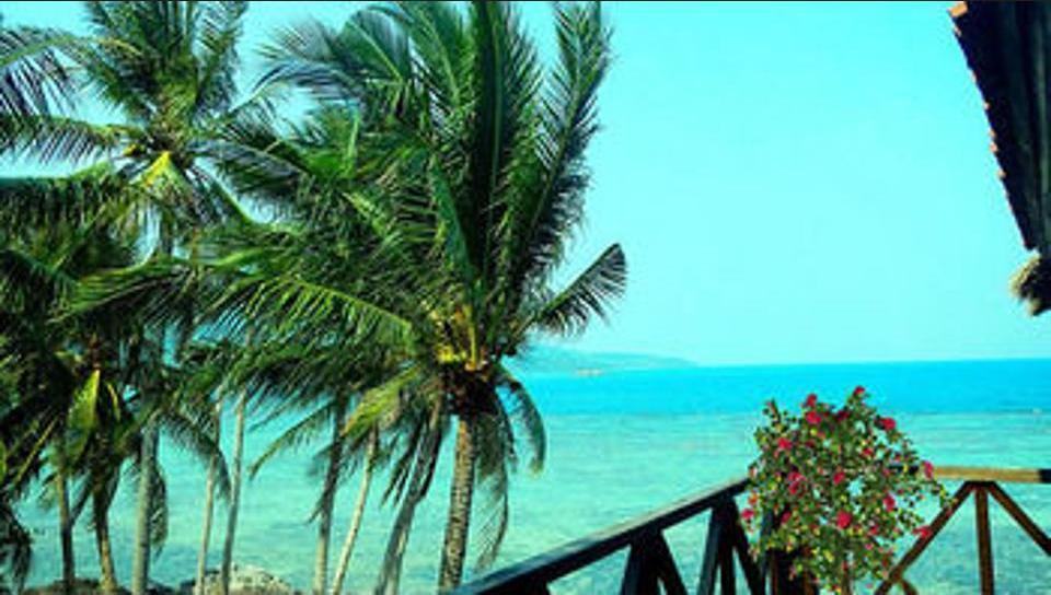 Breve Azurine Lagoon Retreat Karimun Jawa - Kamar Deluks (Sea Front Studio) Regular Plan