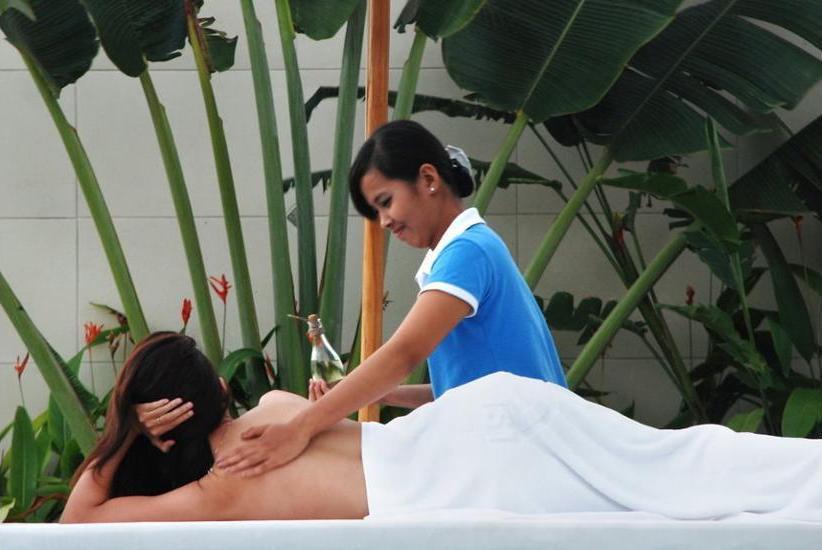 C151 Luxury Smart Villas Resort Bali - Massage