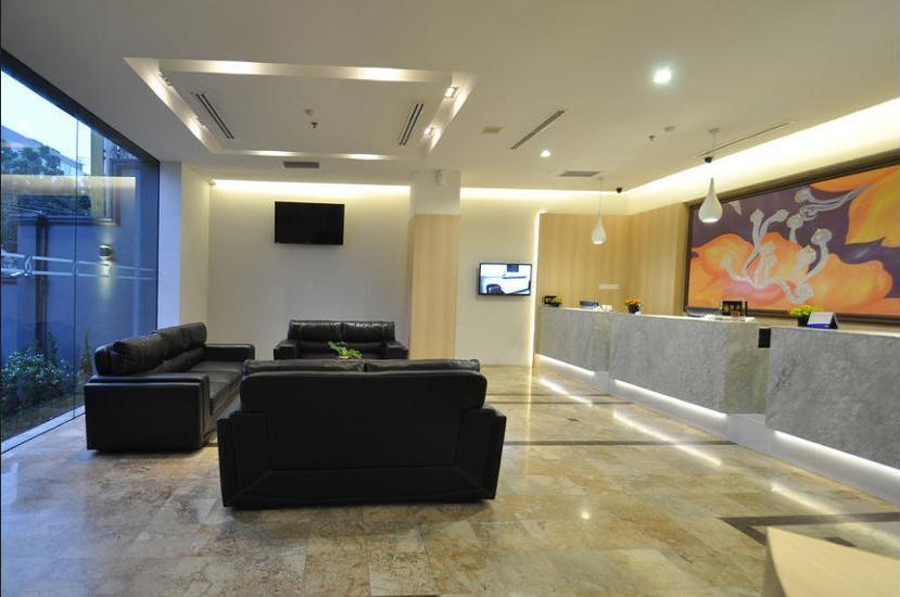 DREAMTEL Hotel Jakarta - Living Area