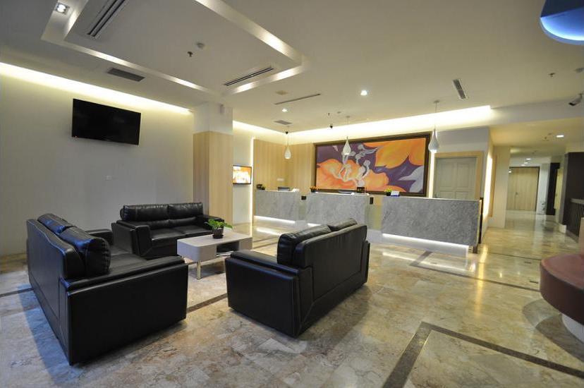 DREAMTEL Hotel Jakarta - Lobby Sitting Area