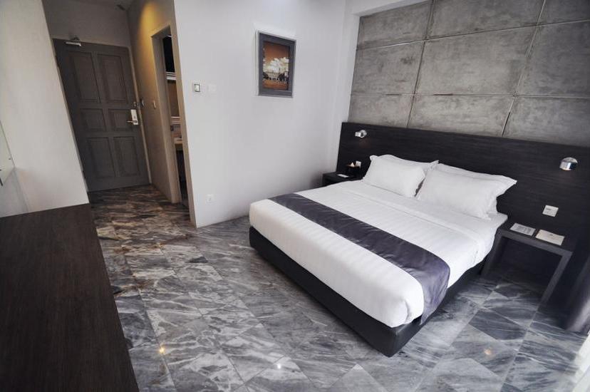 DREAMTEL Hotel Jakarta - In-Room Safe