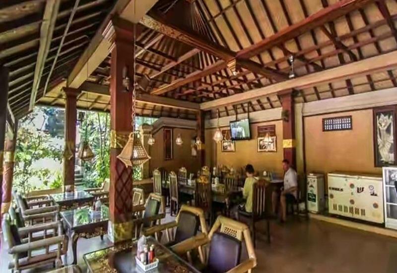 Dewa Bharata Bungalows Legian Bali - Restoran