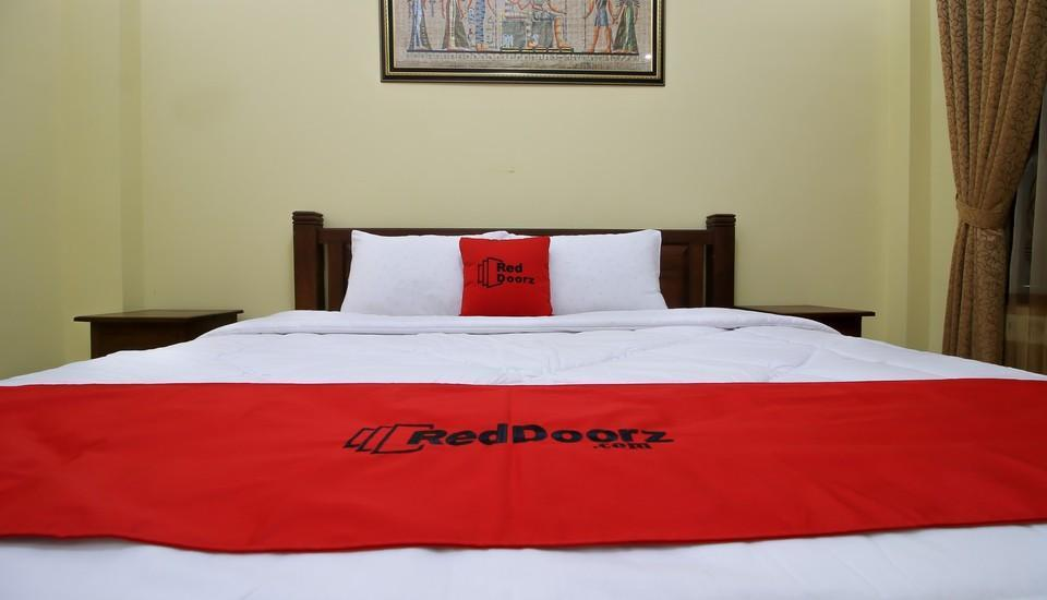 RedDoorz Plus @ Maguwo Yogyakarta -