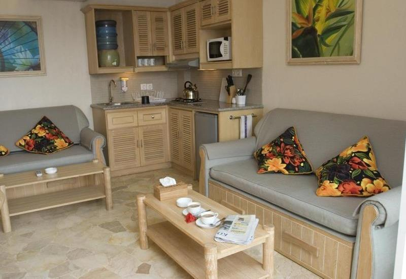 Hawaii Resort Family Suites Anyer - Special Offer Two Bedroom Standard 6 Person - with breakfast Regular Plan