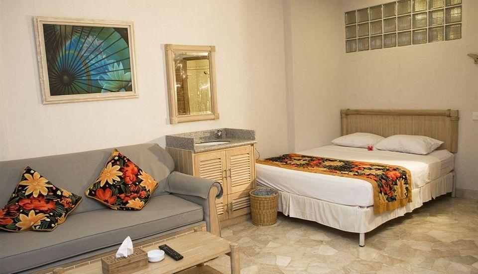 Hawaii Resort Family Suites Anyer - GUEST ROOM