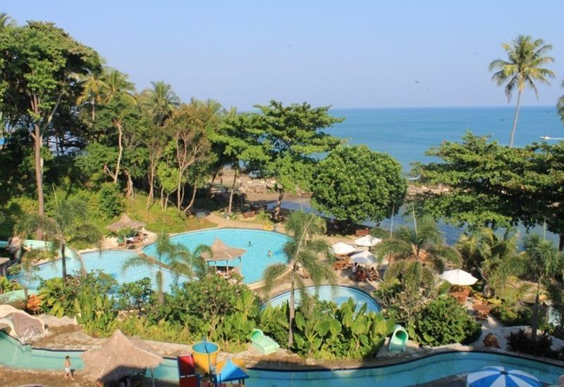 Hawaii Resort Family Suites Anyer - Pemandangan