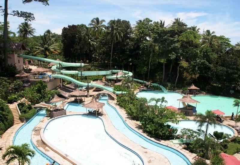 Hawaii Resort Family Suites Anyer - Kolam Renang