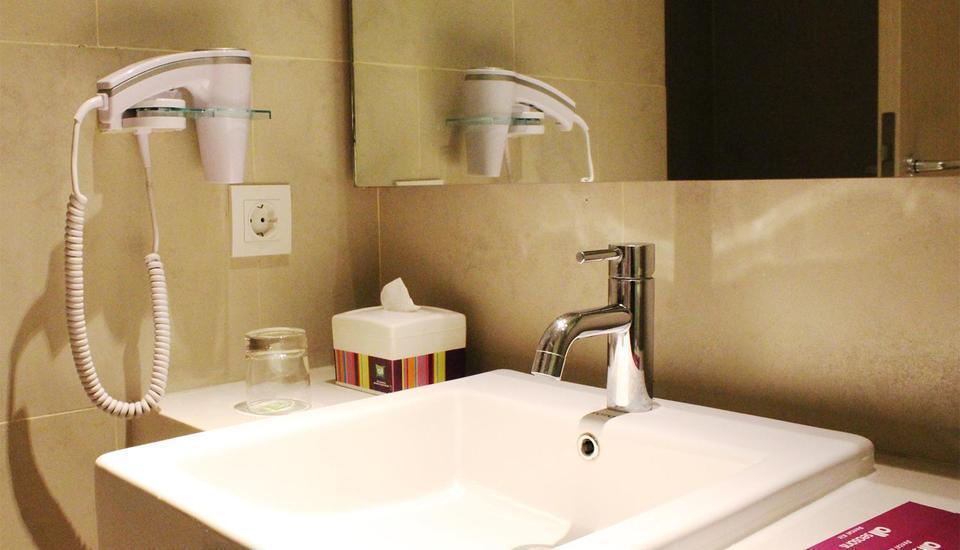 All Seasons Gajah Mada - Bathroom
