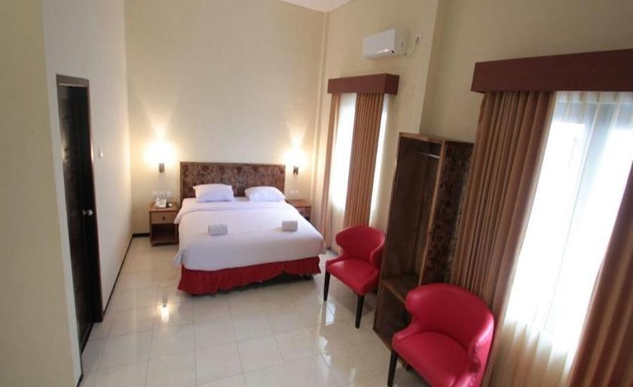 Ciptaningati Hotel Batu Malang - Kamar tamu