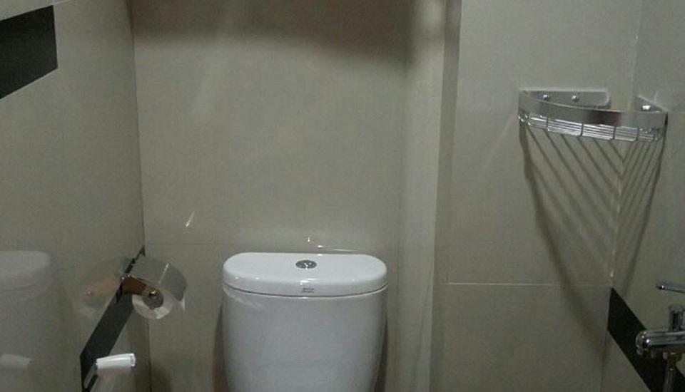 JAV Front One Hotel Lahat Lahat - toilet