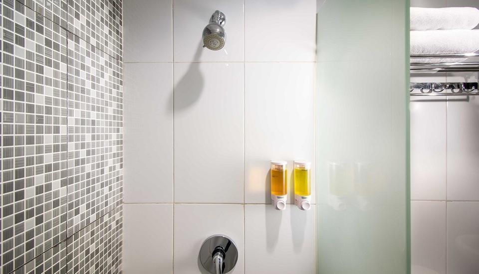 Hotel 88 Mangga Besar 62 - Bathroom