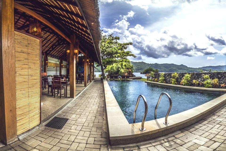 Cocotinos Lembeh Bitung - Swimming Pool