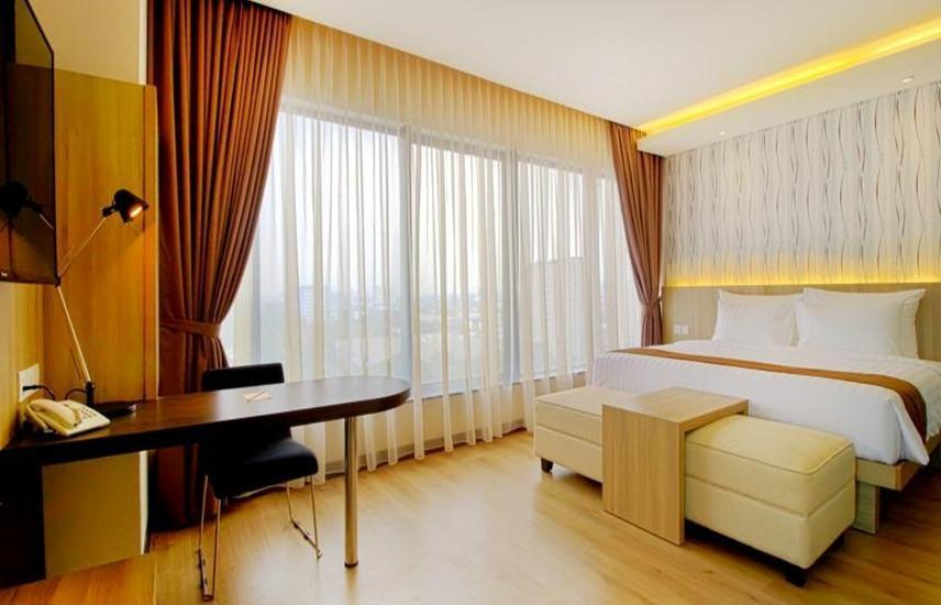 Hotel Dafam Teraskita Jakarta - Junior Suite Room With Breakfast Regular Plan